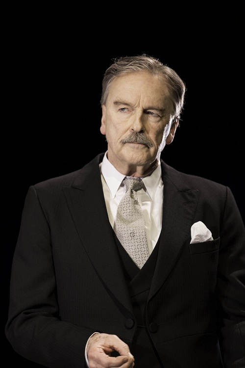 Sir Anthony Eden (Michael Elwyn)