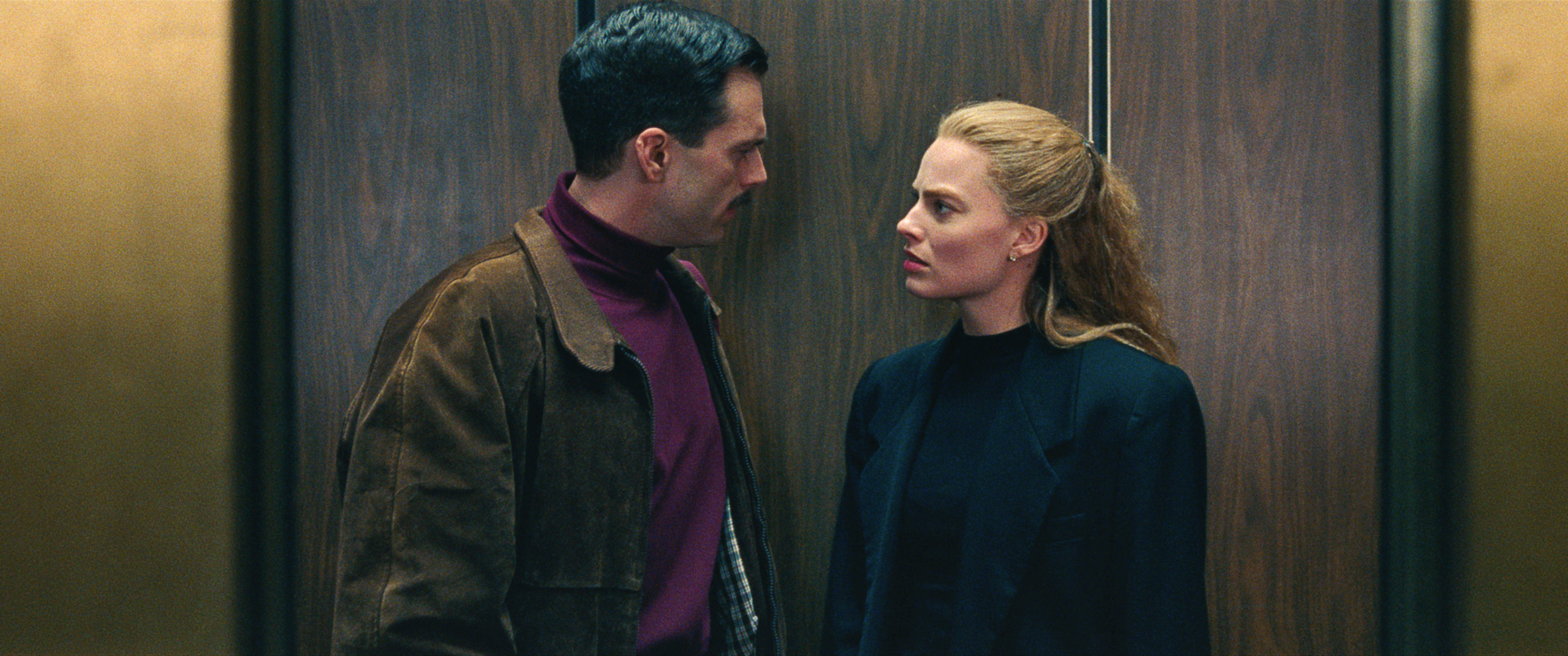 9- Tonya Harding (Margot Robbie) and Jeff Gillooly (Sebastian Stan) in an elevator in I, TONYA, courtesy of NEON and 30WEST